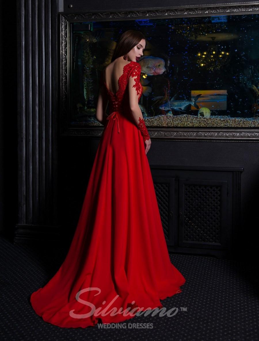 Вечернее платье с длинными рукавами и шлейфом оптом от Silviamo