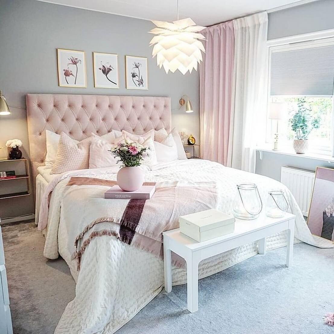 Phòng ngủ tân cổ điển màu hồng chủ đạo