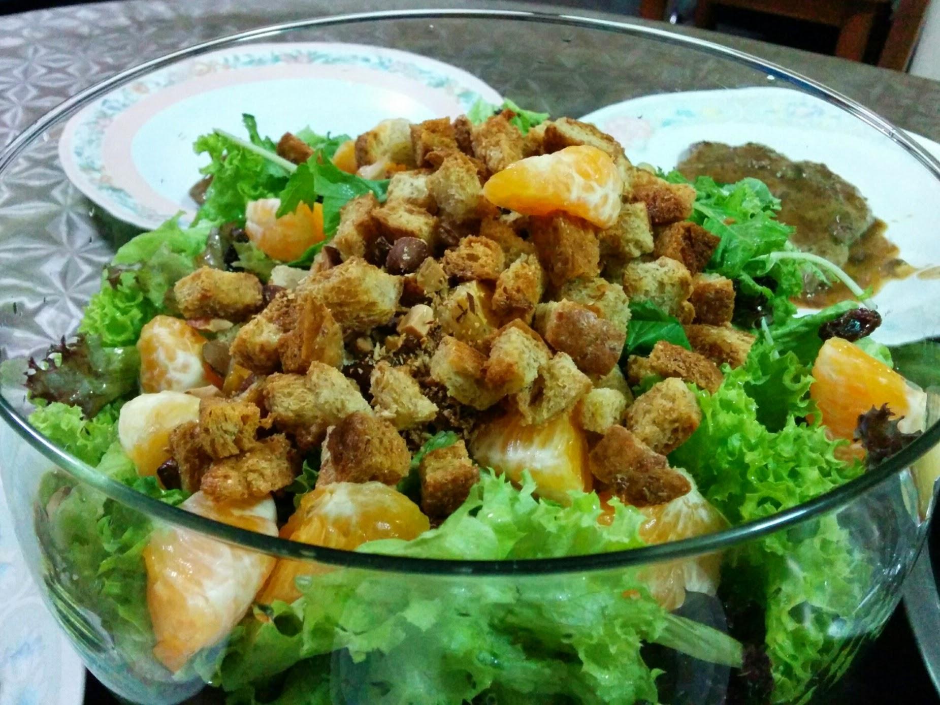 Croutons and salad