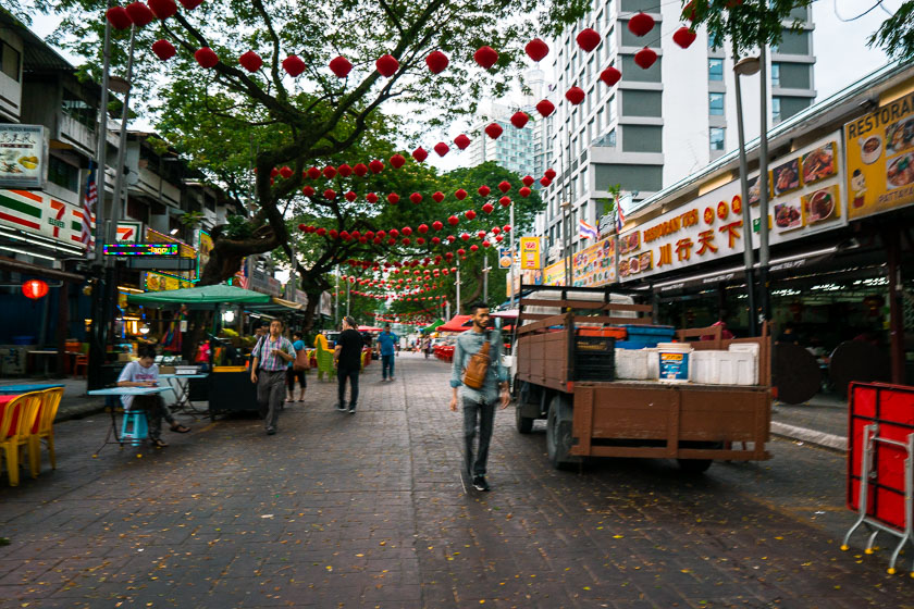 Jalan Alor Street setting up.