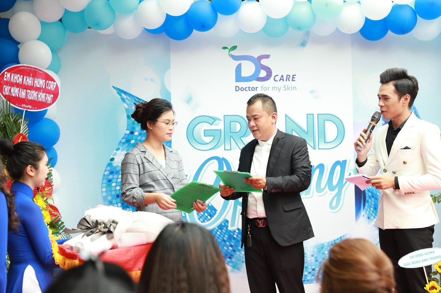 Lễ ký kết hợp tác giữa trường trung cấp Future Việt Nam với Công ty Cổ Phần Ds.Care - Ảnh 1
