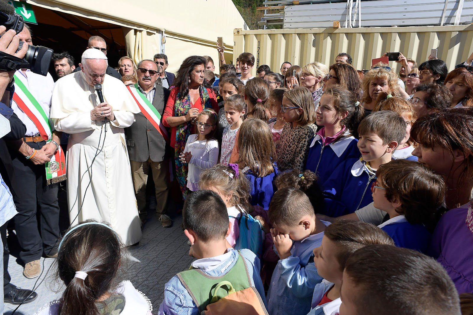 Pope Francis. Children. Earthquake Victims
