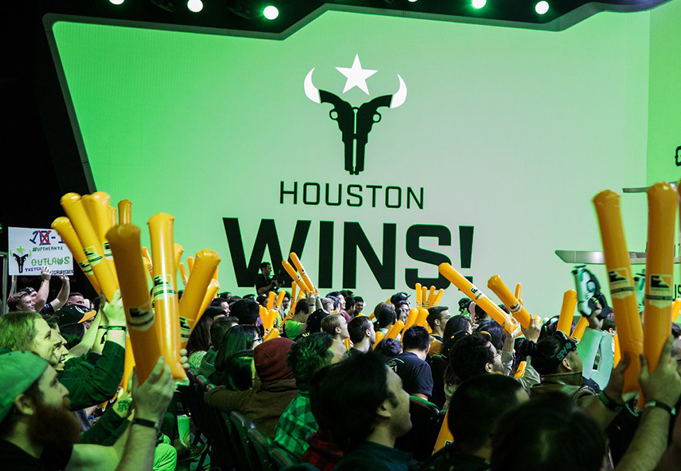 The fans of Houston Outlaws celebrate one of their team's victories in the Overwatch League Season 3