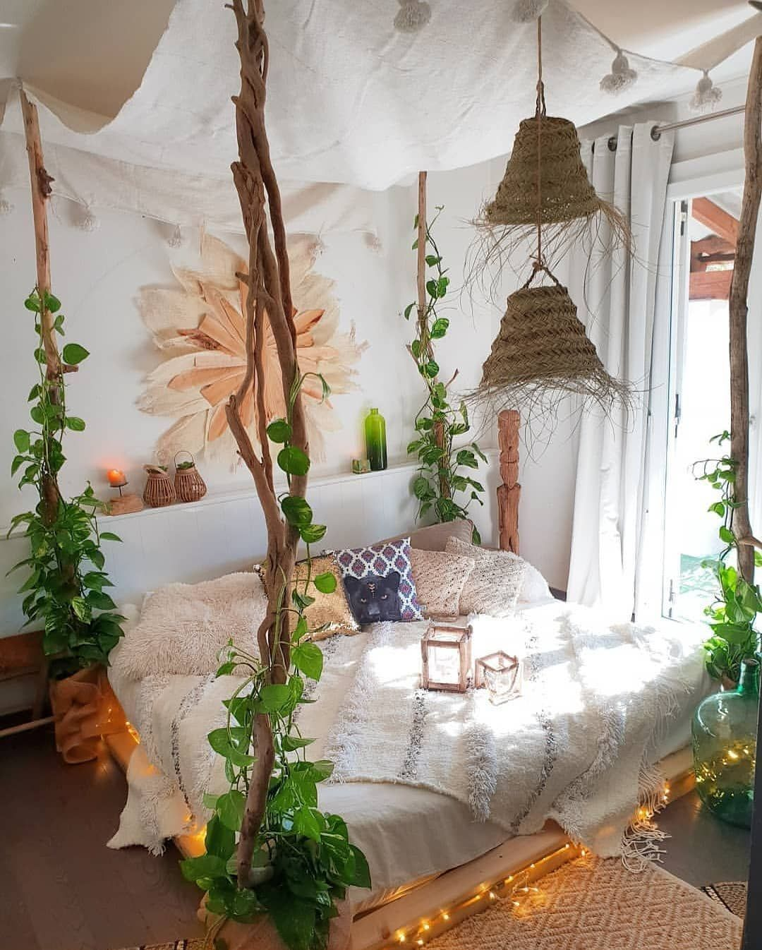 Floating Bed with PLants Ideas
