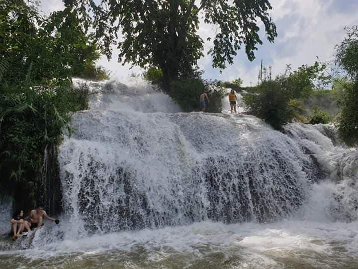 Khảo sát thực tế tại Thác Trăng, xã Do Nhân, huyện Tân Lạc, tỉnh Hòa Bình.