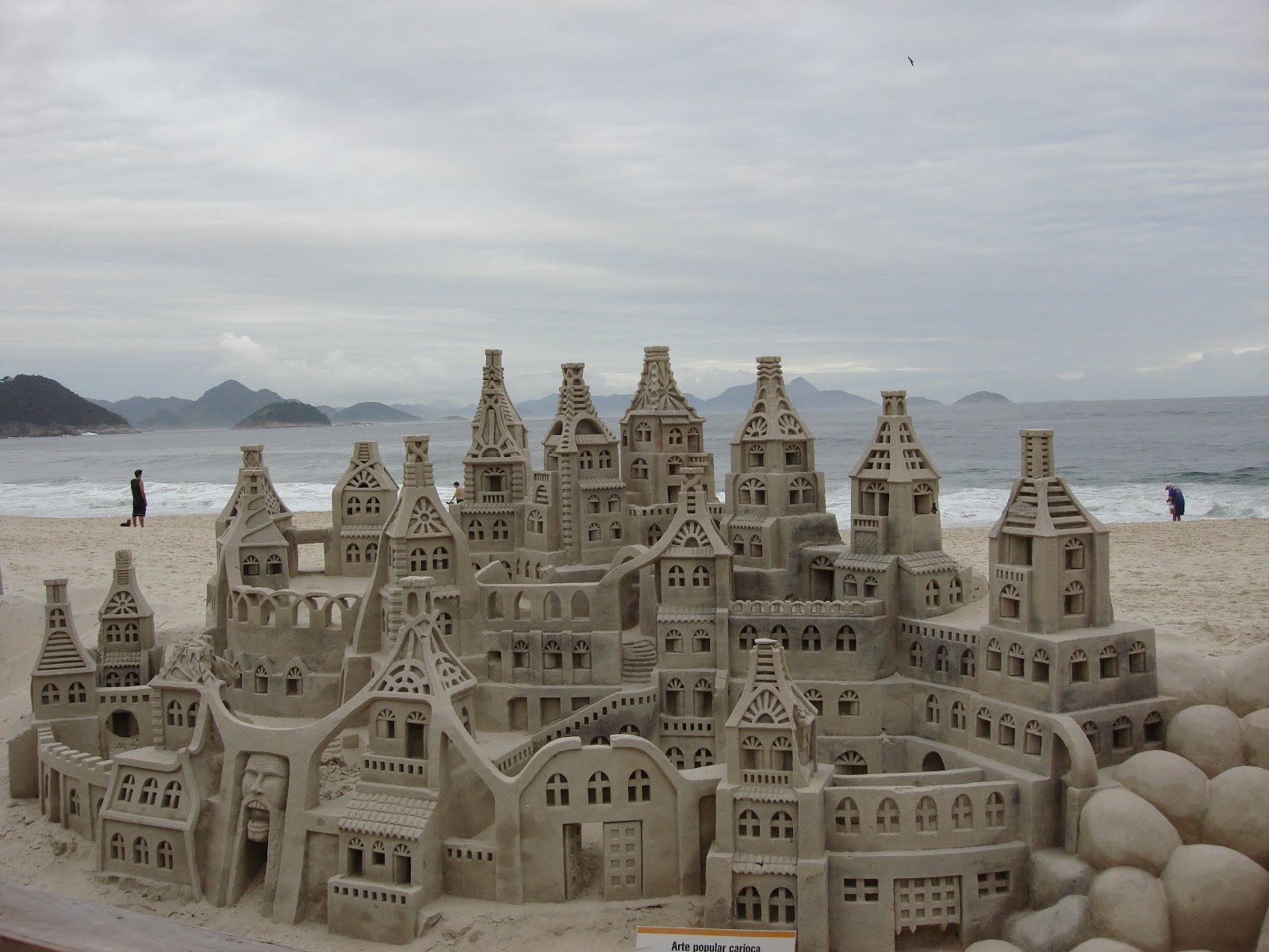 File:Lascar Sandcastle ...