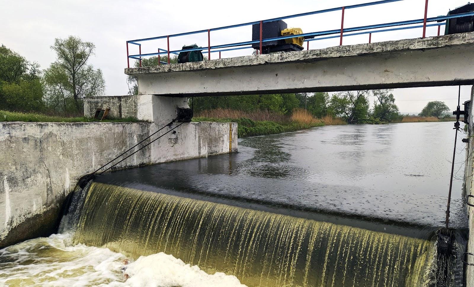 Шлюз меліоративної системи на річці Ірпінь