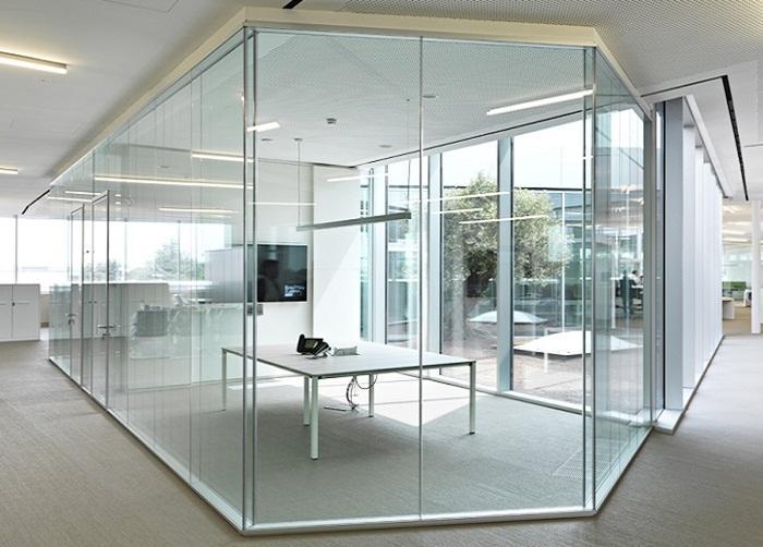 Ảnh có chứa trong nhà, sàn, tòa nhà, tường Mô tả được tạo tự động