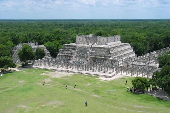 Resultado de imagem para arquitetura maia templo