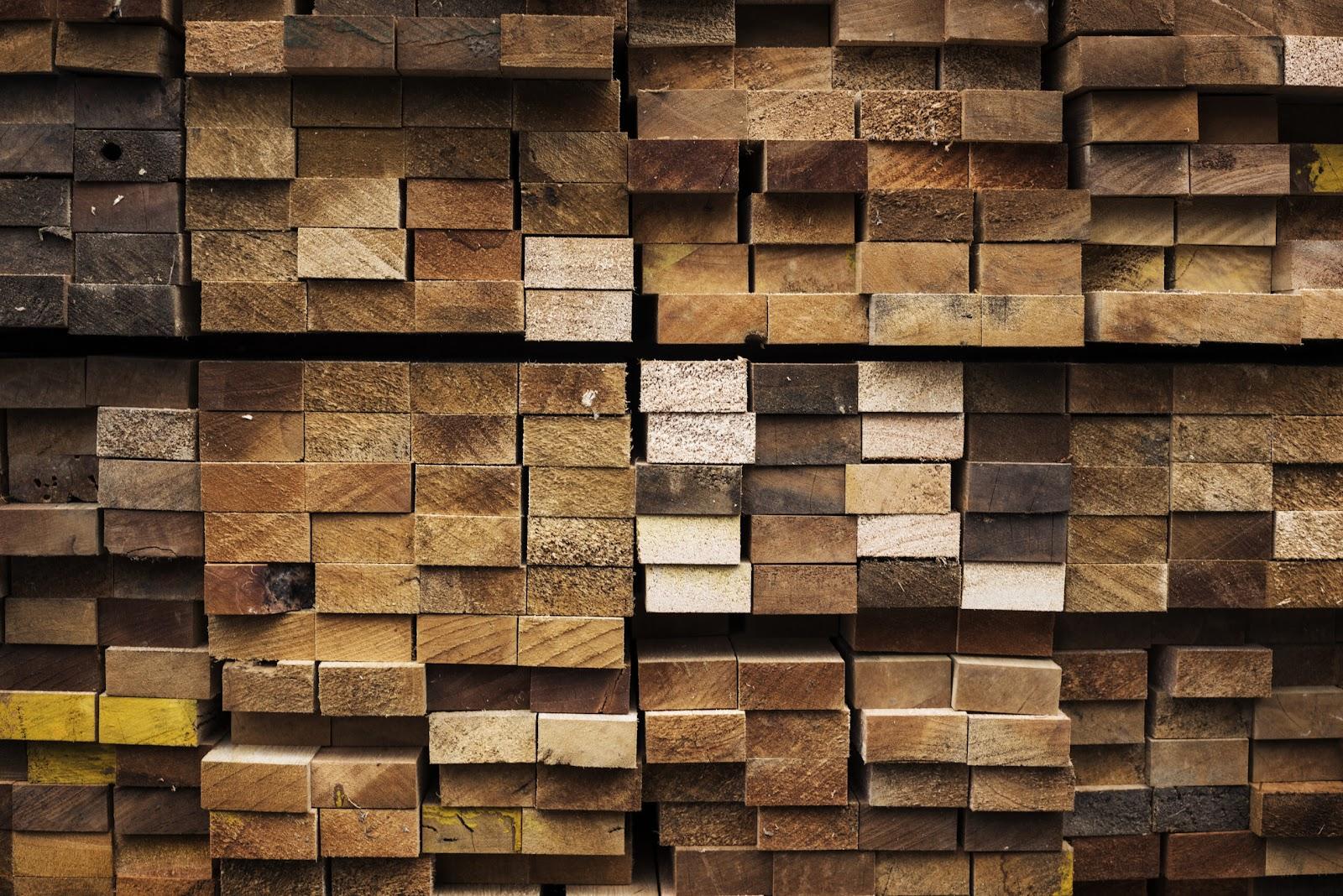 ไม้จ๊อย คือ ไม้ที่มีการนำมาต่อกันให้ยาว ไม้ท่อนจ๊อย