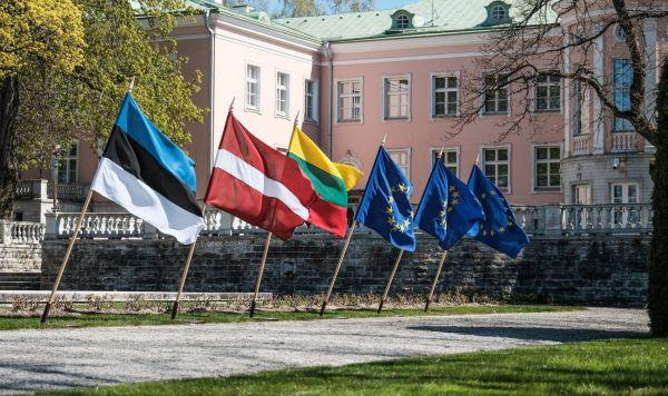 Флаги стран Балтии и ЕС