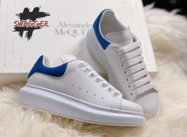 Giày Alexander Mcqueen với gót màu xanh