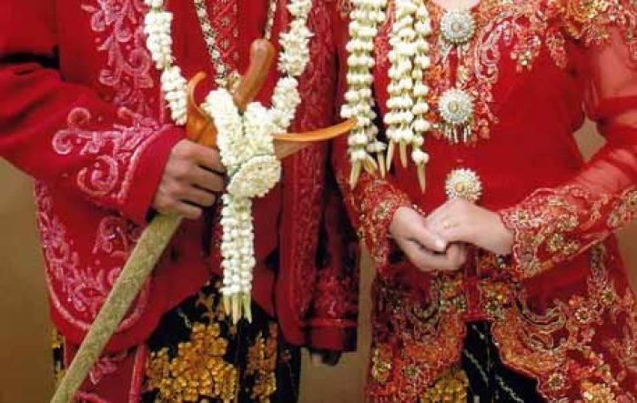Hasil gambar untuk tradisi maling pengantin di lombok