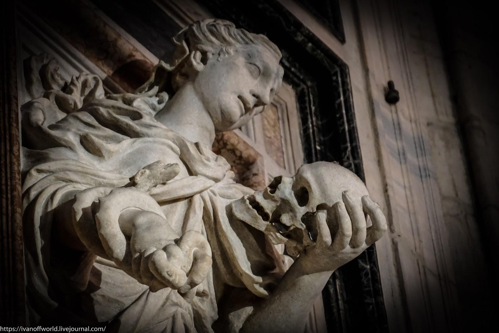 Красота, вселяющая ужас. История одной скульптуры человека, городе, Христа, церкви, святых, Варфоломей, который, голову, святого, самых, искусства, накидка, скульптур, через, апостолы, одной, времена, влияние, может, религия