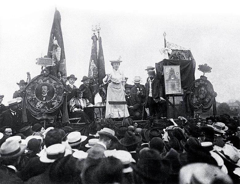 File:Rosa Lux Stuttgart 1907.jpg