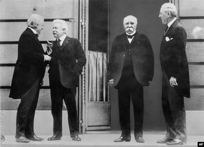 Лідери «Великої четвірки» союзників у Першій світовій війні у Версалі під час Паризької мирної конференції, 27 травня 1919 року