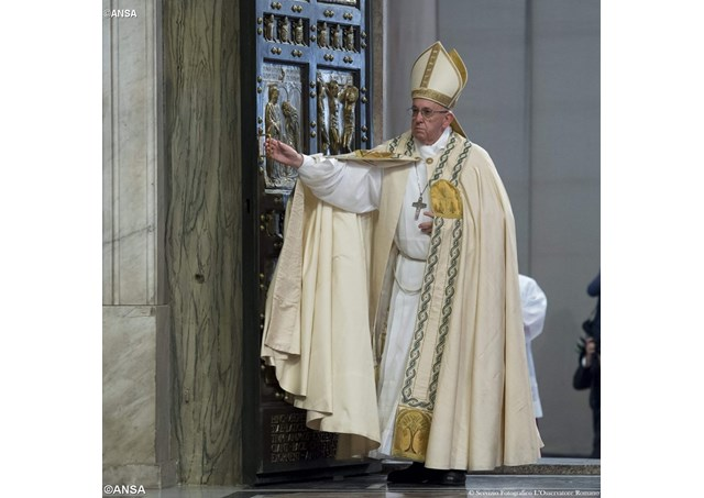 Pope Francis closes the Holy Door at St Peter's Basilica on November 20th to mark the end of the jubilee year - ANSA