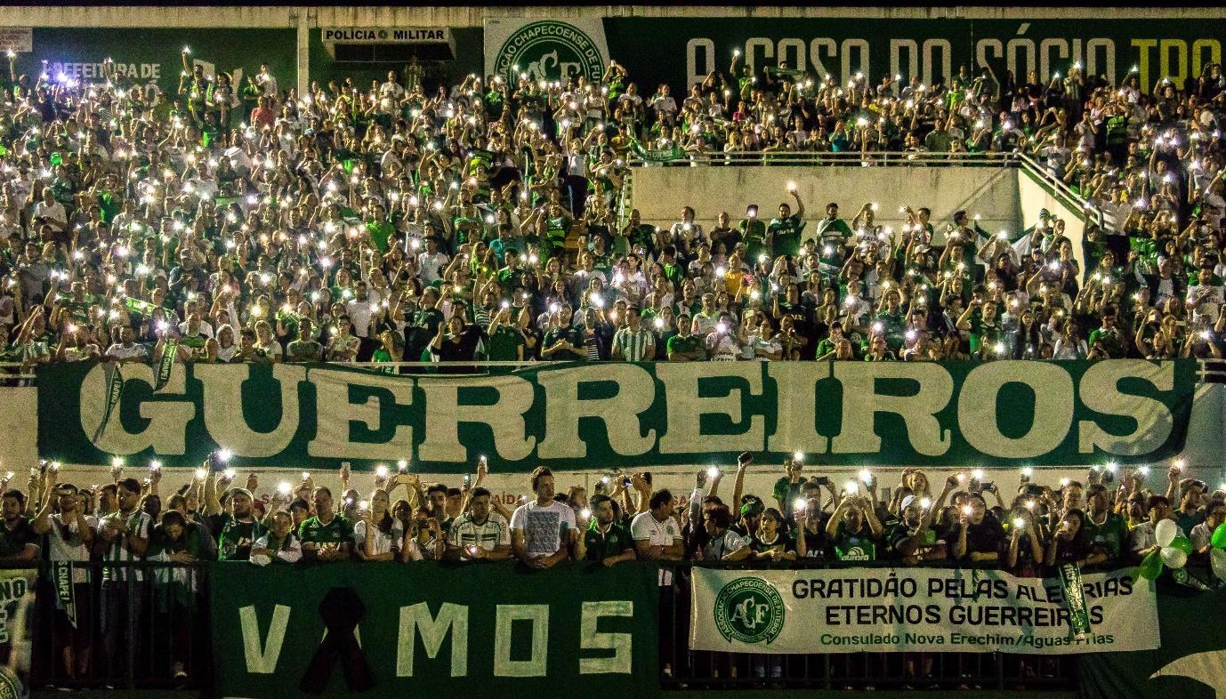 C:\Users\George.Webb\Pictures\Arena_Condá_tem_tributo_pelas_vítimas_de_voo_da_Chapecoense_02.jpg