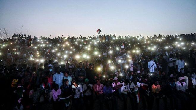 Судан - одна из африканских стран, где доступ к интернету был перекрыт. Это случилось во время протестов в апреле 2019 года