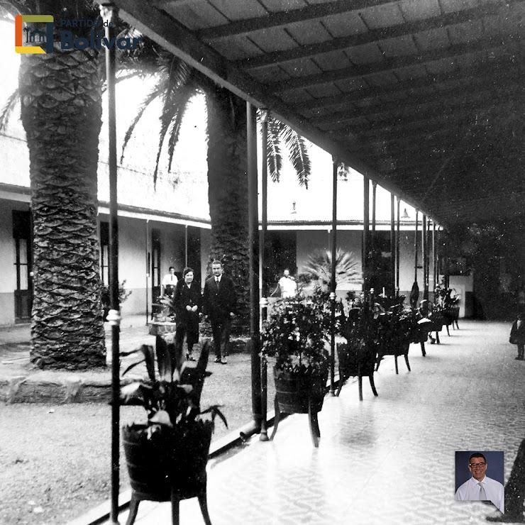 Patio del Hotel La Vizcaina (1923) - Sus dueños Catalina Ordinas Roca de Roca - Miguel Roca