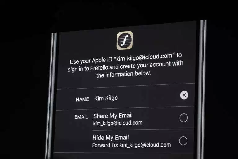 Login details with Apple Sign In