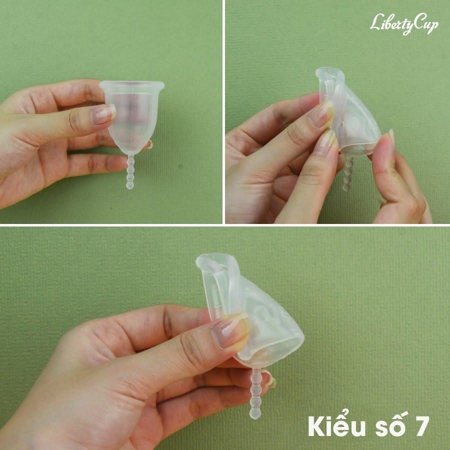 Gấp cốc nguyệt san kiểu số 7 giúp thu nhỏ miệng cốc đáng kể