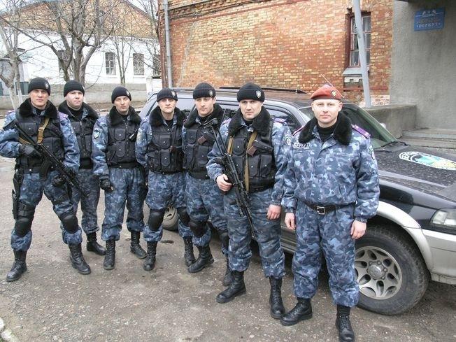 На локации Николаевский «Беркут».  Дмитрий Анцупов - первый слева.  Фотография сделана не ранее ноября 2008 г.