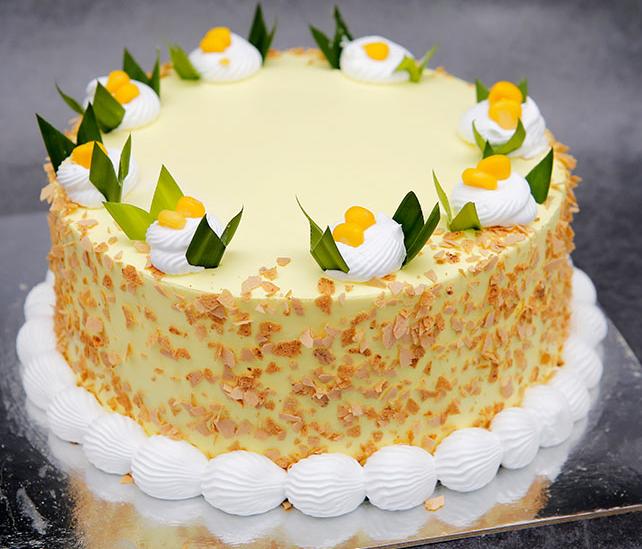 Chia sẻ các cách trang trí bánh kem sinh nhật phổ biến nhất hiện nay