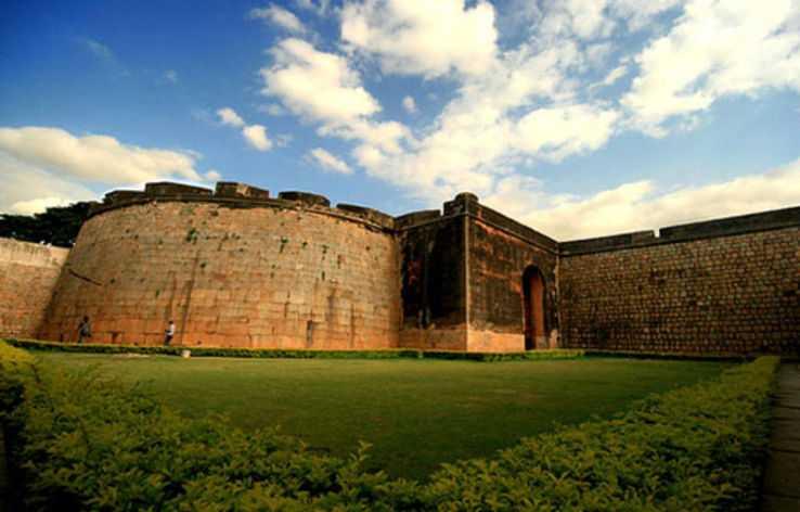 This image contains Belgaum Fort, located in the Belgaum