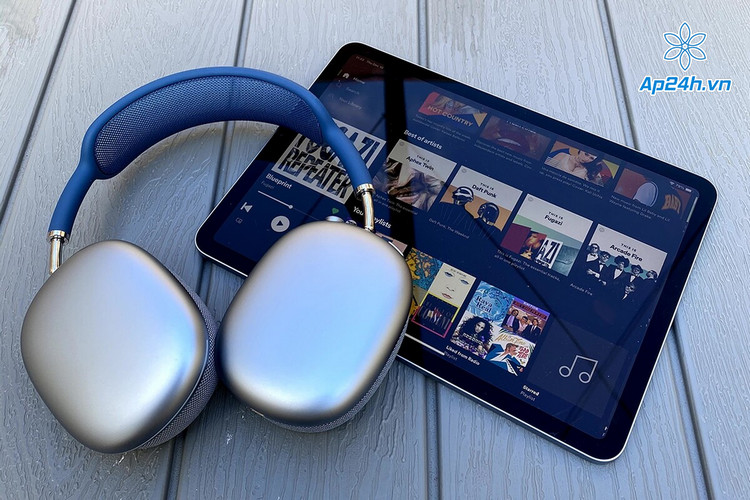 Chiếc tai nghe over-ear đầu tiên của Apple