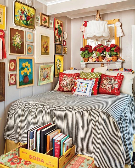 Decorate A Room by Mixing and Matching Items