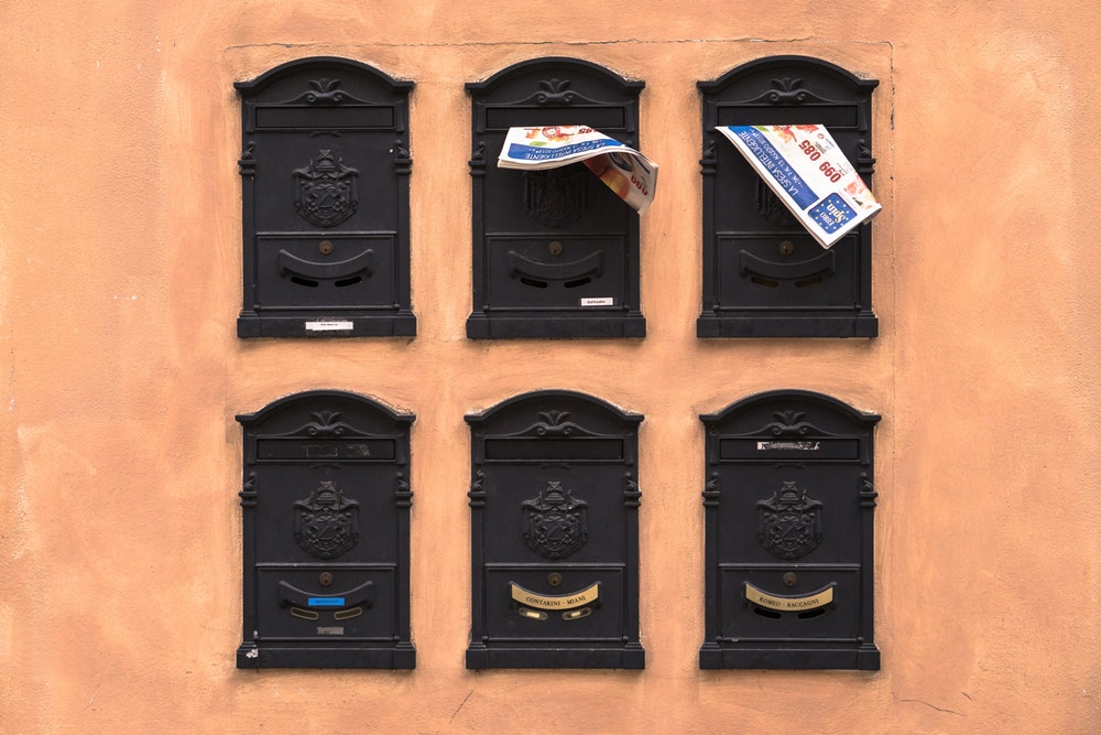 old mailboxes are still sources for traditional tools to market your digitial business