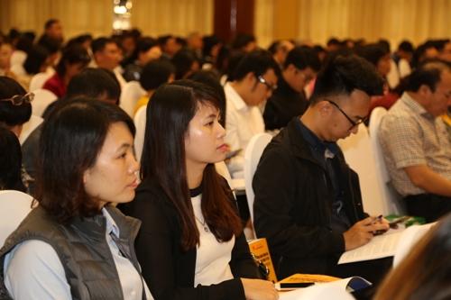 Các doanh nghiệp tham dự hội nghị đối thoại sáng 27/11 tại Hà Nội