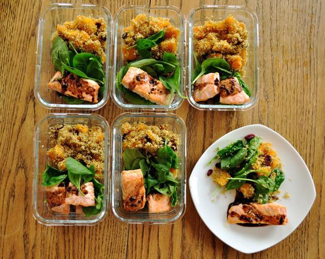 Chia khẩu phần ăn thành nhiều bữa ăn nhỏ trong ngày