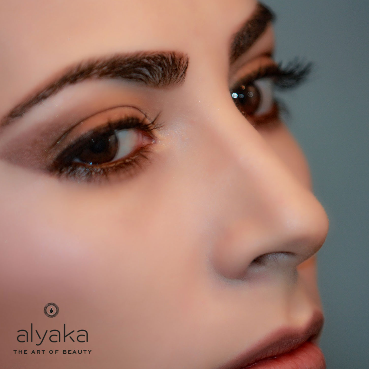 Essential Oils for Brows and Lashes