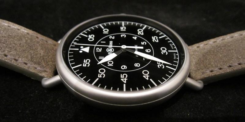 http://img528.imageshack.us/img528/7563/pilotslaidflat1.jpg