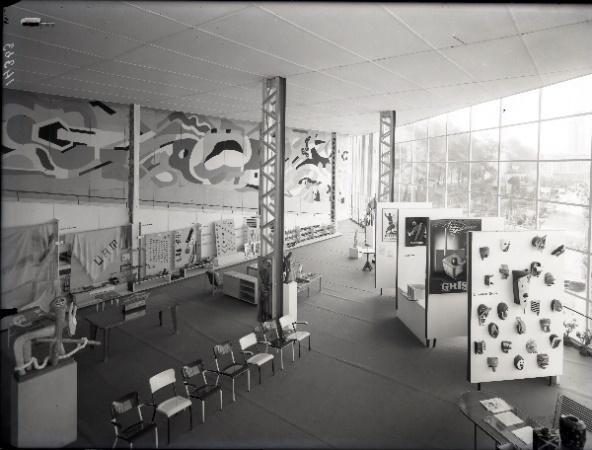 Une image contenant intérieur, photo, mur, plancher  Description générée automatiquement