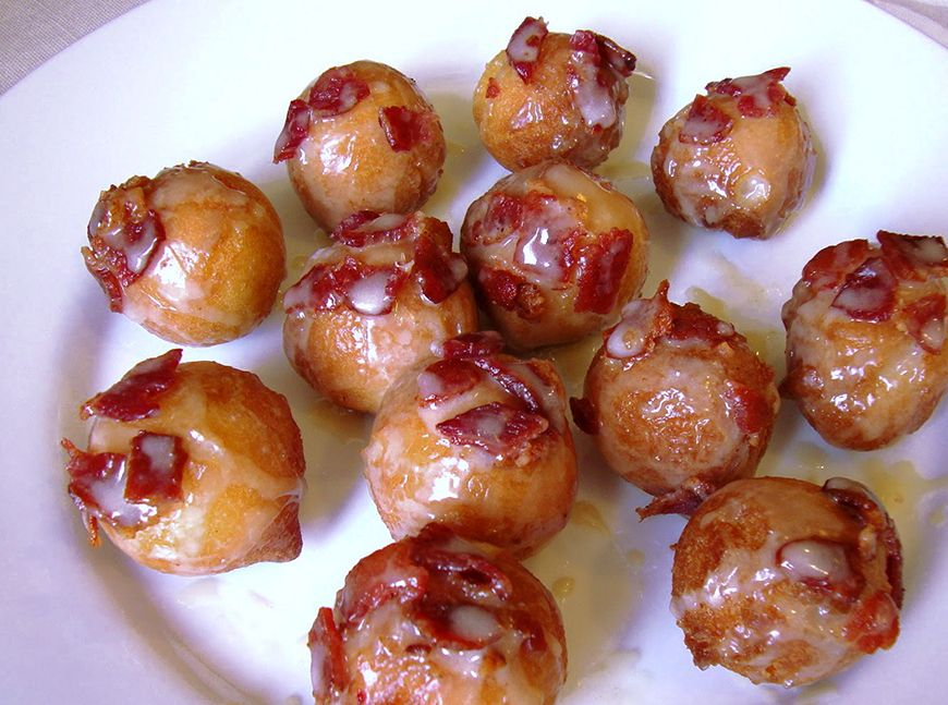Bacon maple doughnut holes | Bacon donut, Maple bacon donut, Maple bacon