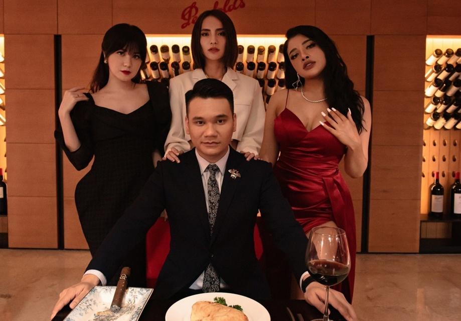 Khắc Việt hóa đại gia rởm trong MV mới