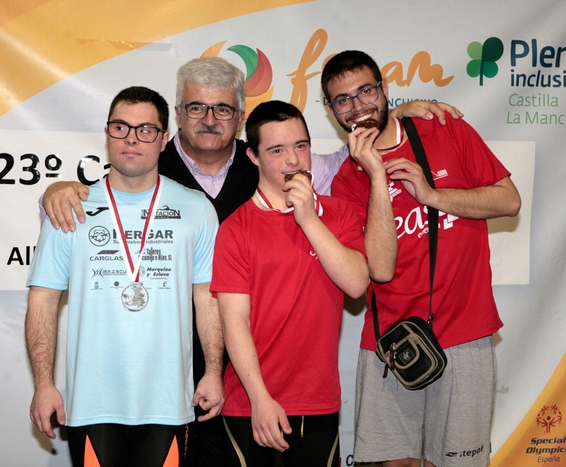 C:\Users\JJ\Pictures\Podio Regionales de Castilla La Mancha 2019 Oro en 200m libres.jpg