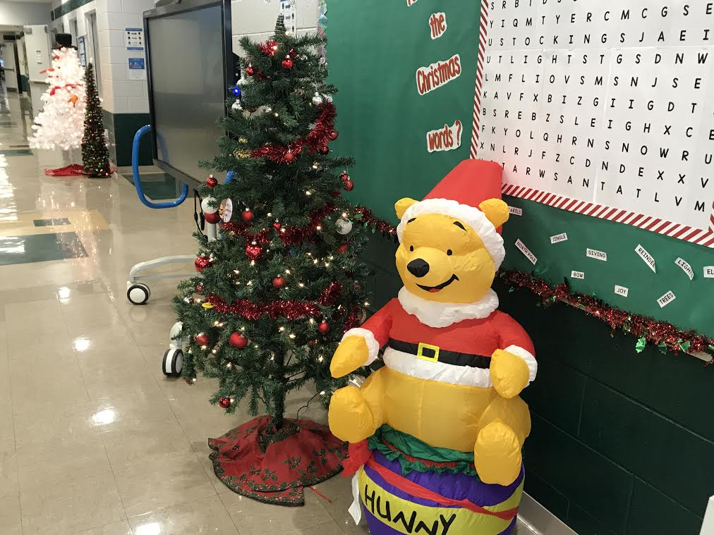 Winnie the Pooh Santa and Christmas Tree Picture