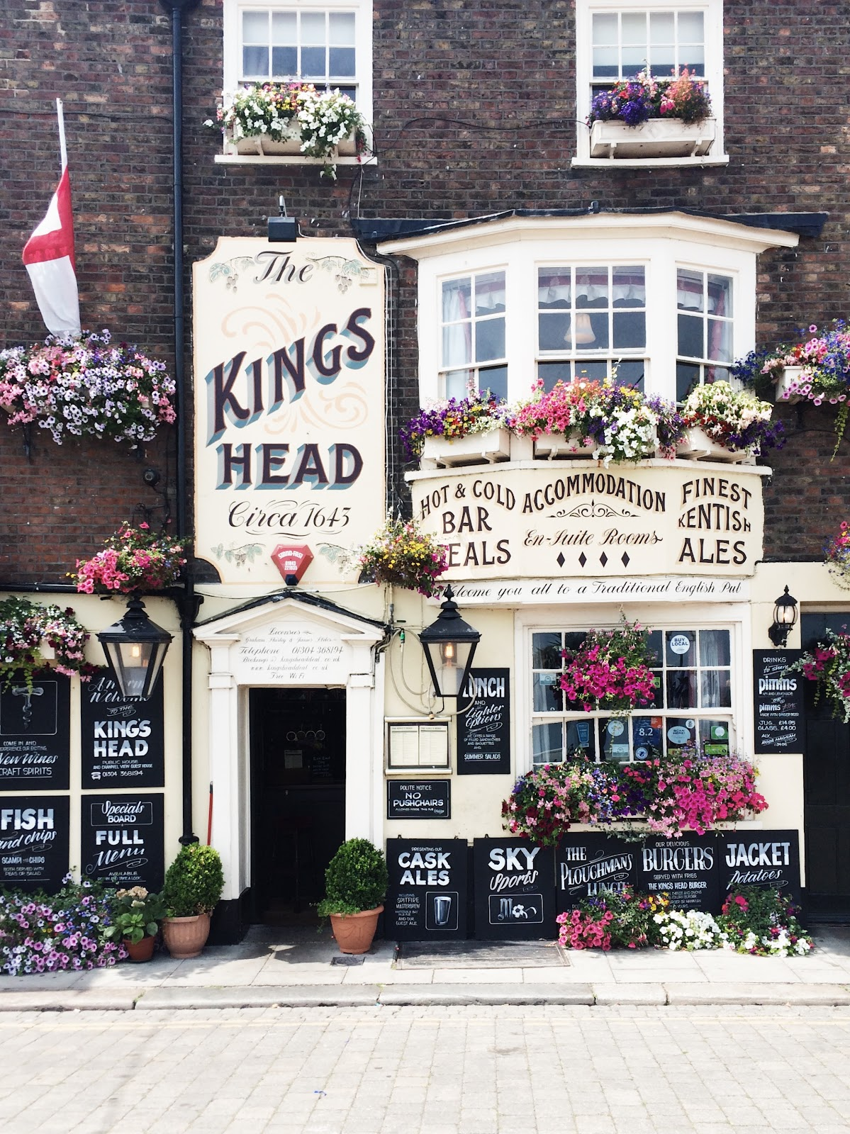 A Guide to Deal, Kent. Whether it is a brisk walk along the pier, a wander around the antique shops or fish and chips on the beach; there is always so much to discover and see in this genteel coastal town. Here are some of my favourite things to do.