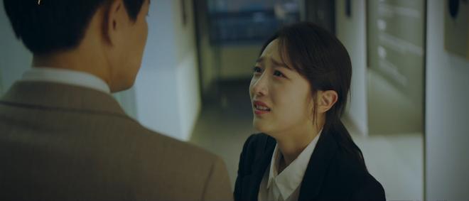 5 kiểu ngoại tình sôi máu trong phim Hàn, tức nhất là màn cà khịa bà cả của bản sao Song Hye Kyo ở Thế Giới Hôn Nhân - Ảnh 8.