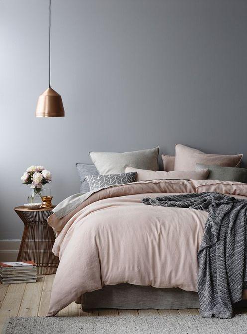 Kamar tidur scandinavian dengan warna pastel - source: thespruce.com