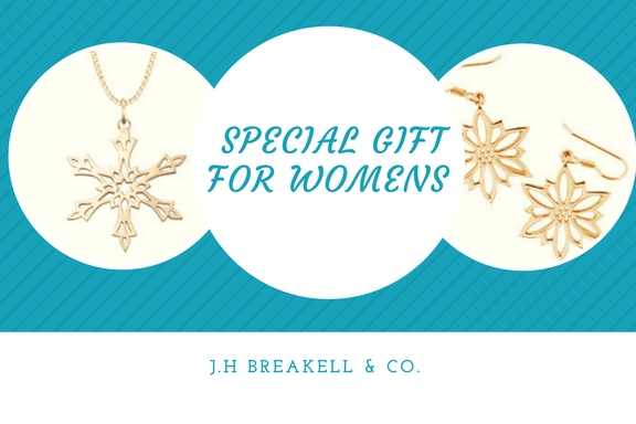 Snowflake Ornaments Are an Evergreen Gift For Women