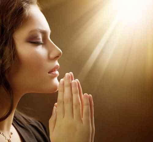 praying-god