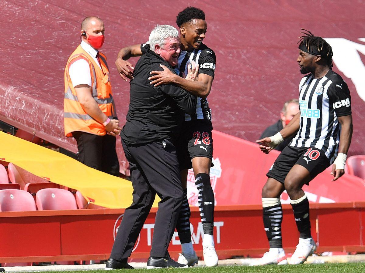Newcastle United vừa có 1 điểm quý giá trên sân Anfield