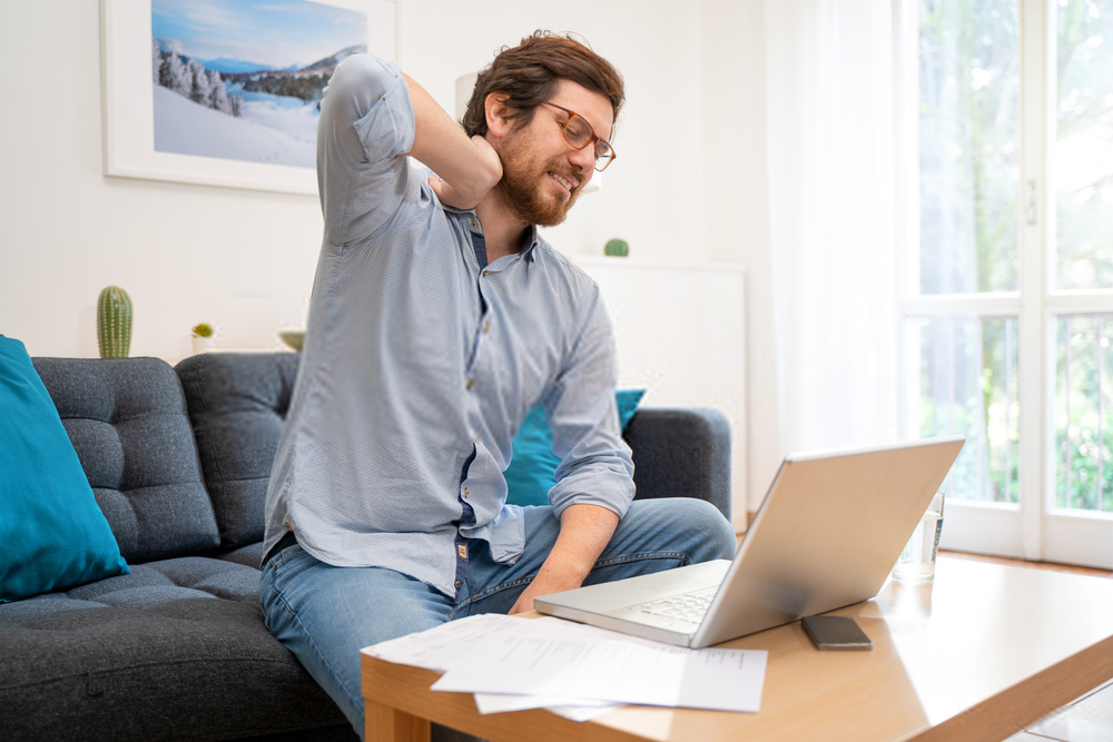 8 Posisi Duduk Yang Benar Saat Bekerja di Rumah