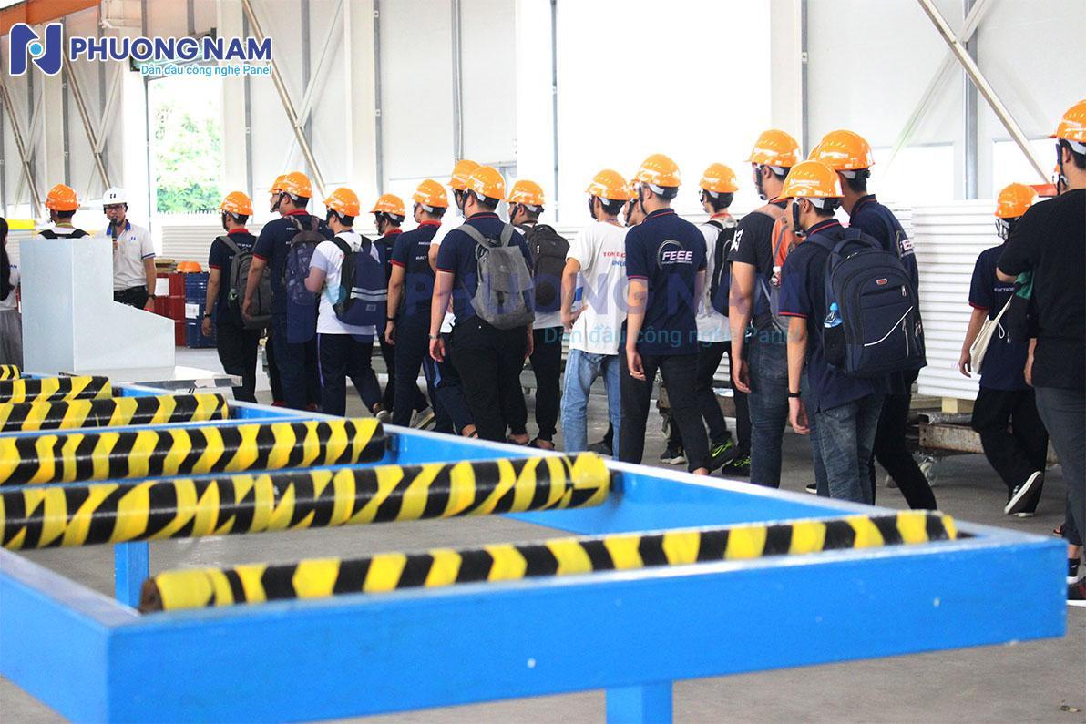 Đoàn tham quan nhà máy Panel Phương Nam