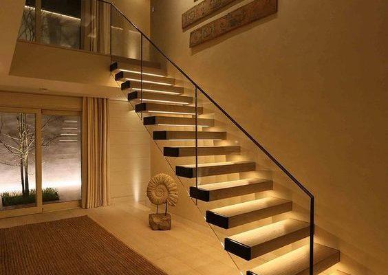 Đèn bậc cầu thang